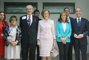 Her Majesty Queen Sofia of Spain (center) and Prof. Vladimir Hachinski (left of Her Majesty), keynote speaker at the II International Symposium on the Advancement of Psychosocial Care and Research in Dementia. Photo courtesy of Agencia DiCYT.
