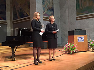 Anne Hege Aamodt (left) and Hanne F. Harbo introducing the program at the closing ceremony for the Norwegian YotB2015