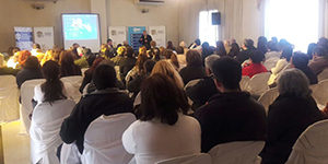 Dr. Pedro Nofal speaks to the community about dementia in San Miguel de Tucuman, Argentina.